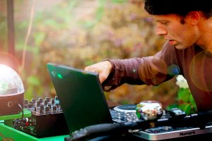 Bard-Sloven-DJ